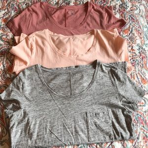 3 Old Navy Boyfriend style t shirts size Small